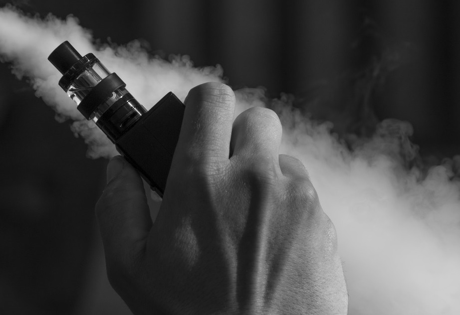 FDA Investigates Reports Of Seizures After Vaping